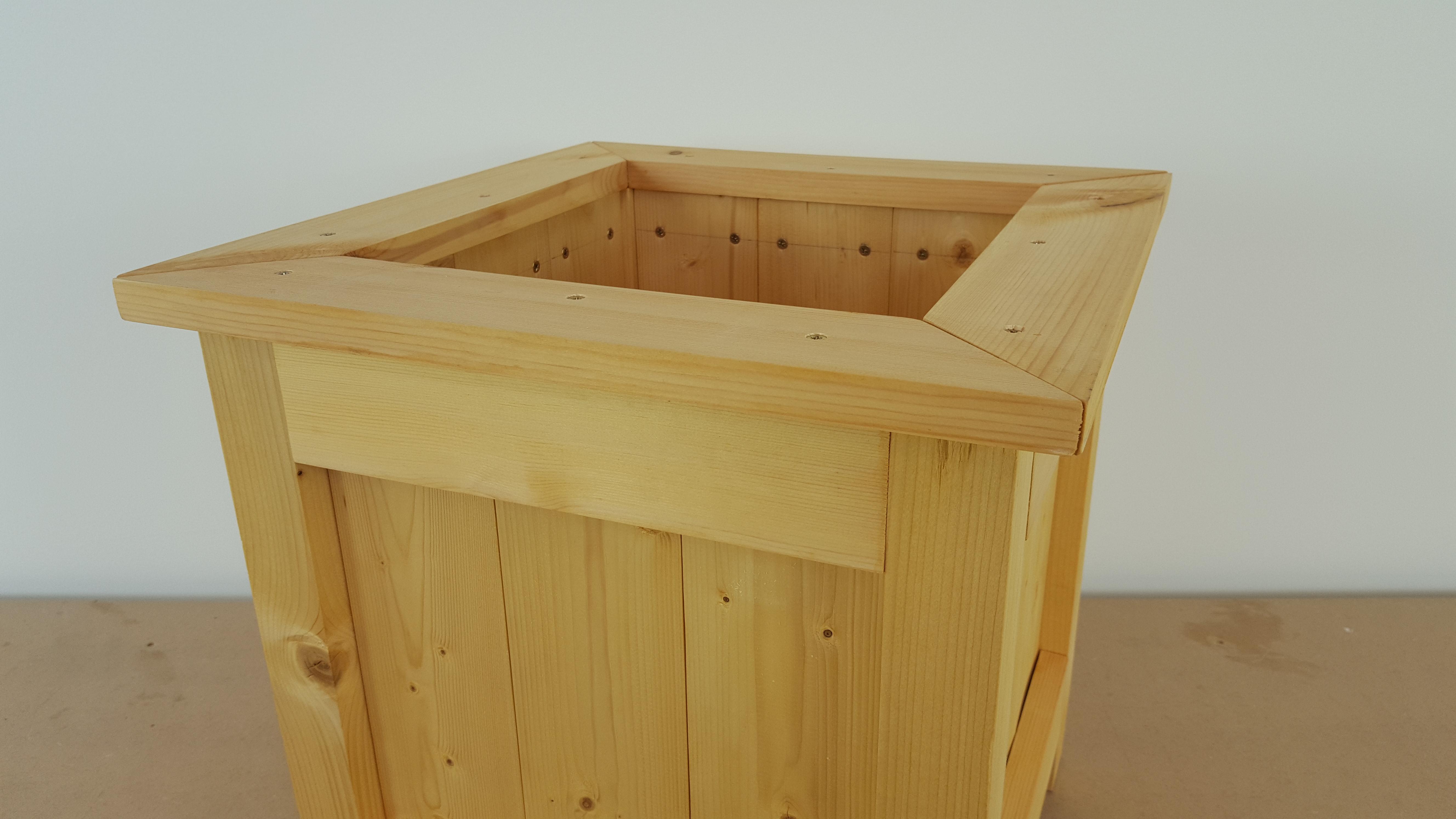 Comment faire une jardini re en bois ep26 vissermalin - Jardiniere en bois ...